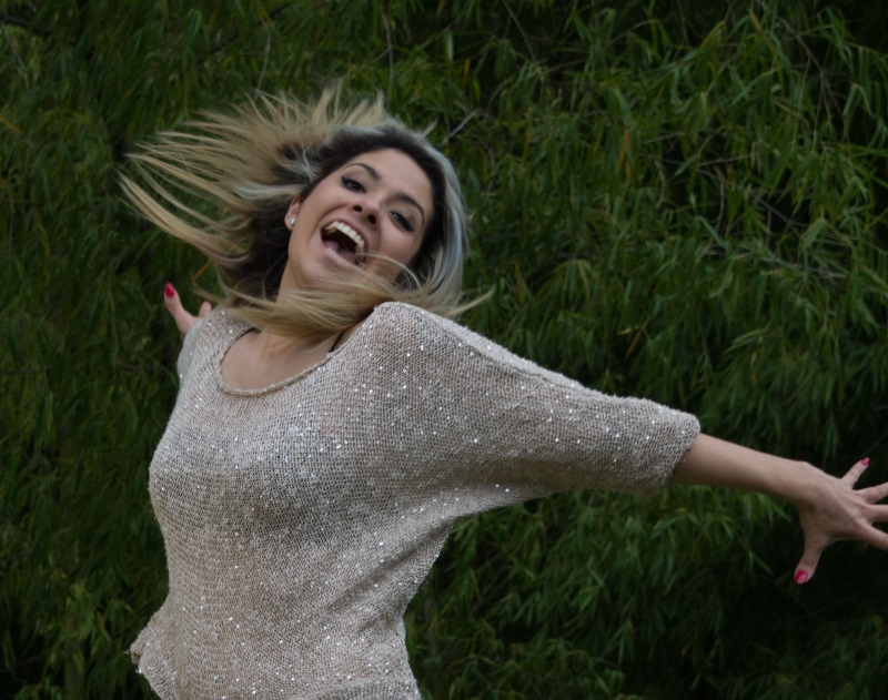Shantai smiling - ein herzhaft warmes Lächeln, das ist Shantai der Model-Neuzugang bei der Blogarbeit